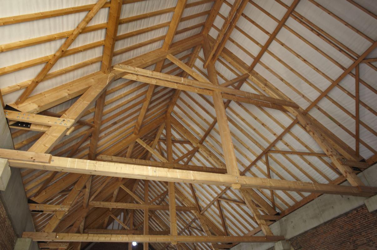 fabrication de charpentes en bois robuste et de qualité